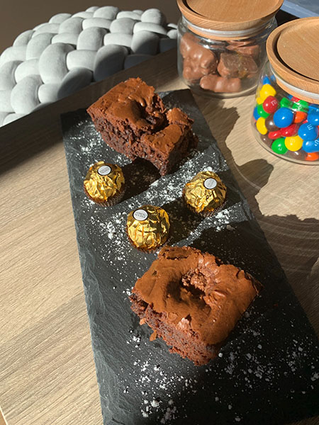 Brownie fondant aux Ferrero Rocher - Dressage
